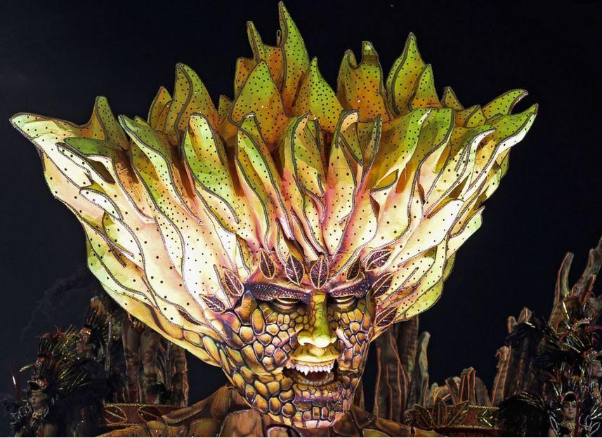 carnival-float-brazil-2014